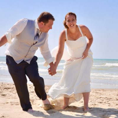 mariés a la plage